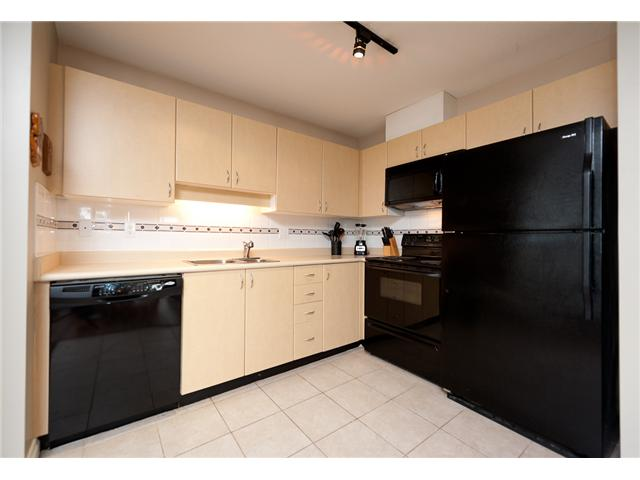 "Photo 3: 330 528 ROCHESTER Avenue in Coquitlam: Coquitlam West Condo for sale in ""THE AVE"" : MLS(r) # V939097"