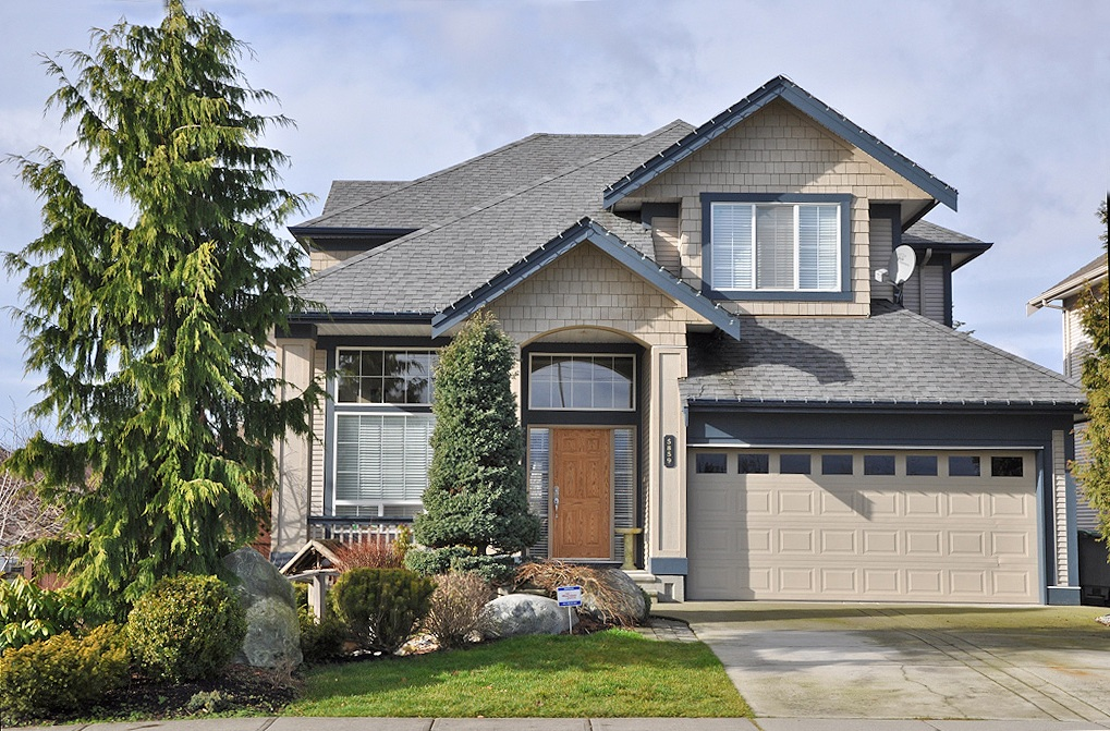 "Main Photo: 5859 146TH Street in Surrey: Sullivan Station House for sale in ""PANORAMA HILLS"" : MLS® # F1303461"