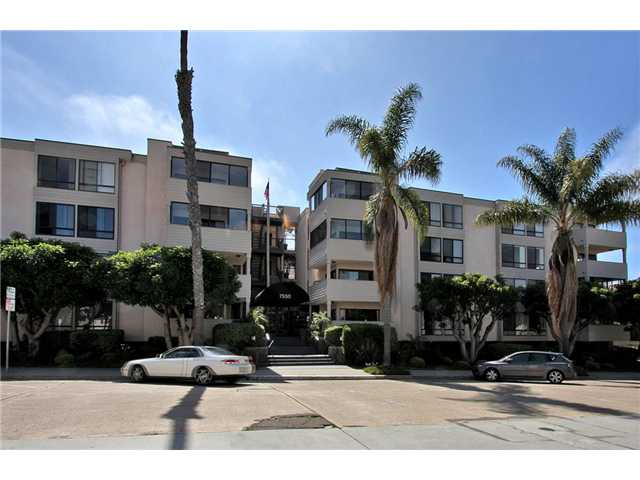 Main Photo: LA JOLLA Condo for sale : 2 bedrooms : 7550 Eads Avenue #206