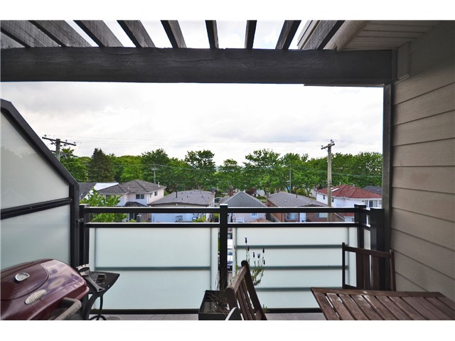 "Photo 10: 403 405 SKEENA Street in Vancouver: Renfrew VE Condo for sale in ""JASMINE"" (Vancouver East)  : MLS(r) # V1008189"