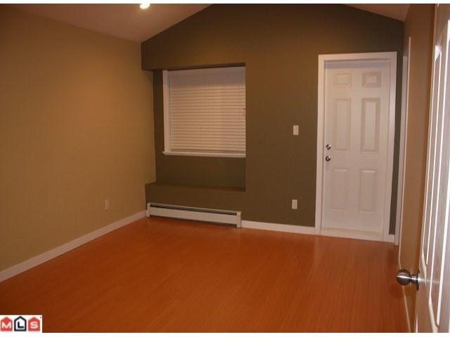 Photo 4: 9912 132 ST in Surrey: House Duplex for sale : MLS(r) # F1104140