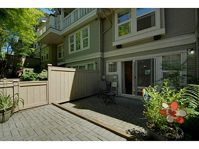 Photo 9: # 11 7179 18TH AV in Burnaby: Edmonds BE Condo for sale (Burnaby East)  : MLS® # V1074196