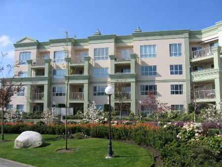 Main Photo: 331, 13880 70 Avenue, Surrey: Condo for sale (East Newton)  : MLS(r) # 2409726