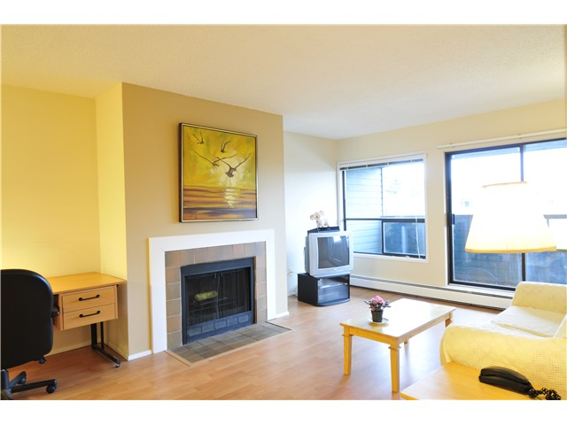 Main Photo: # 318 8600 ACKROYD RD in Richmond: Brighouse Condo for sale : MLS® # V992406