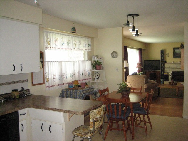 Photo 4: 45411 BERNARD AV in Chilliwack: Chilliwack W Young-Well House for sale : MLS® # H1301165