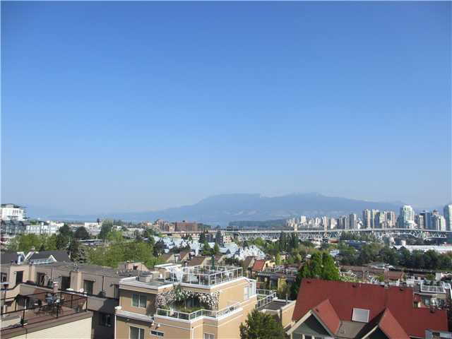Main Photo: 18 1263 W 8th Avenue in Vancouver: Condo for sale : MLS(r) # v1015022