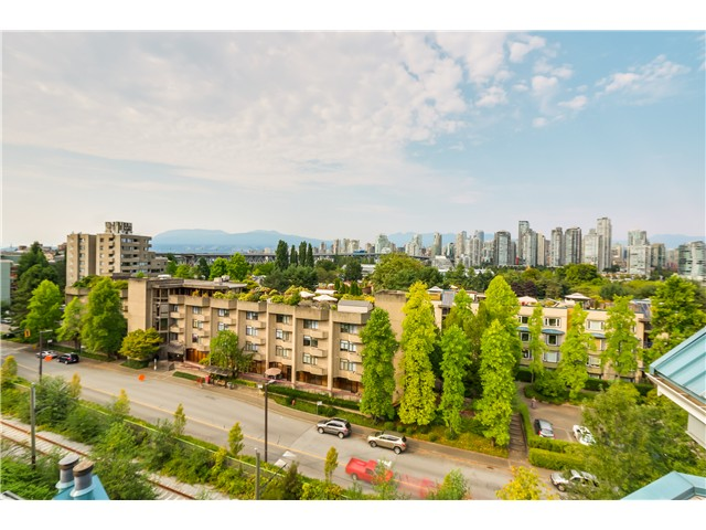 "Photo 15: 306 1345 W 4TH Avenue in Vancouver: False Creek Condo for sale in ""GRANVILLE ISLAND VILLAGE"" (Vancouver West)  : MLS® # V1079641"
