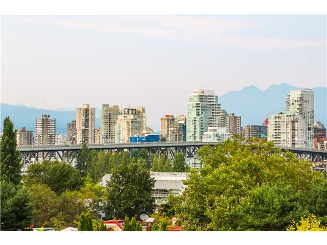 "Photo 14: 306 1345 W 4TH Avenue in Vancouver: False Creek Condo for sale in ""GRANVILLE ISLAND VILLAGE"" (Vancouver West)  : MLS® # V1079641"