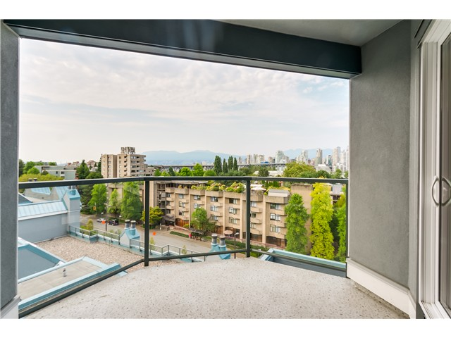 "Photo 13: 306 1345 W 4TH Avenue in Vancouver: False Creek Condo for sale in ""GRANVILLE ISLAND VILLAGE"" (Vancouver West)  : MLS® # V1079641"