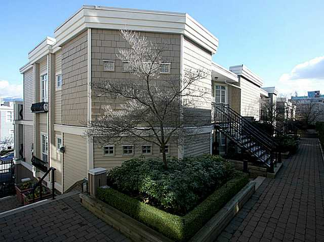 Main Photo: 309 680 W 7th Avenue in Vancouver: Fairview VW Condo for sale (Vancouver West)  : MLS® # V1076452
