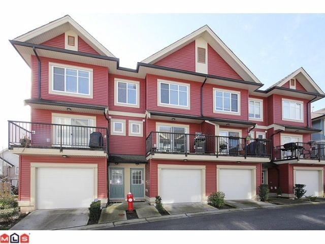 "Main Photo: 25 6635 192ND Street in Surrey: Clayton Townhouse for sale in ""Leafside Lane"" (Cloverdale)  : MLS(r) # F1204688"