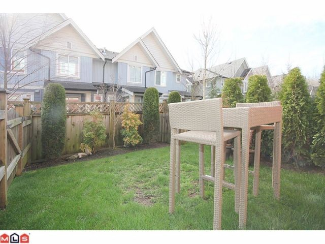 "Photo 10: 25 6635 192ND Street in Surrey: Clayton Townhouse for sale in ""Leafside Lane"" (Cloverdale)  : MLS(r) # F1204688"
