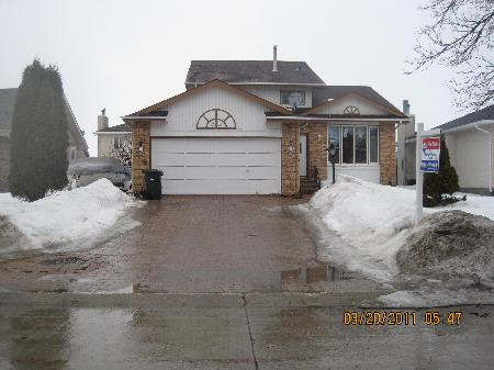 Main Photo: 23 CHOCHINOV AVE: Residential for sale (Canada)  : MLS® # 1104533