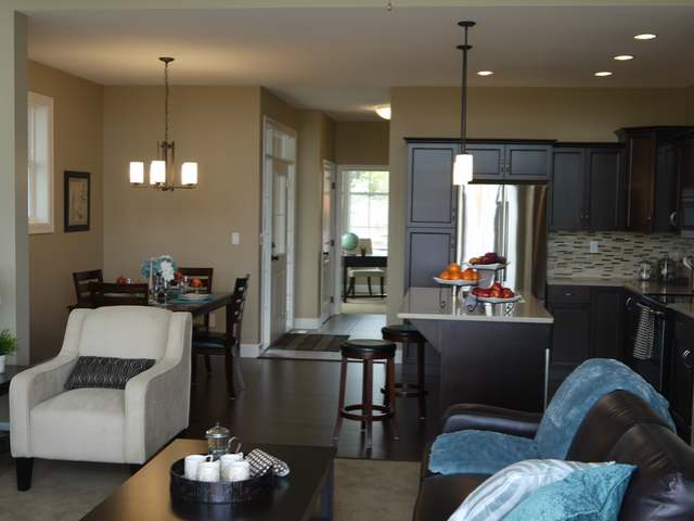 Photo 4: 770 HUGH ALLAN DRIVE in Kamloops: Residential Attached for sale (108)  : MLS(r) # 109640