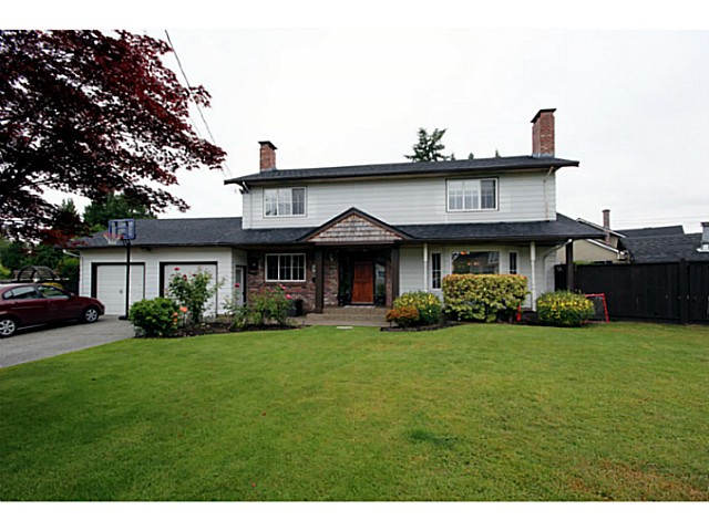 "Main Photo: 1073 SHAMAN Crescent in Tsawwassen: English Bluff House for sale in ""THE VILLAGE"" : MLS®# V1012662"