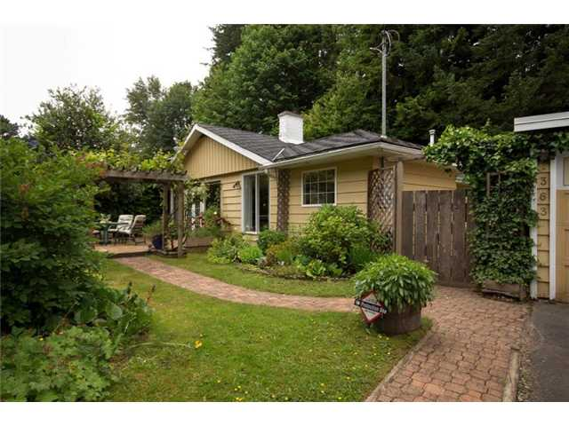 Photo 1: 1363 Arborlynn Drive North Vancouver