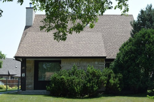 Main Photo: 38 Champagne Crescent in Winnipeg: Fort Garry / Whyte Ridge / St Norbert Single Family Detached for sale (South Winnipeg)