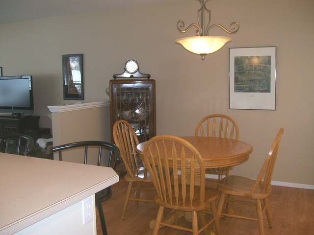 Photo 2: 1950 BRAEVIEW PLACE in Kamloops: Aberdeen Residential Attached for sale : MLS(r) # 107905