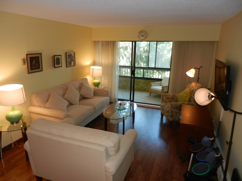 "Main Photo: 314 8720 NO 1 Road in Richmond: Boyd Park Condo for sale in ""APPLE GREEN"" : MLS® # V954881"