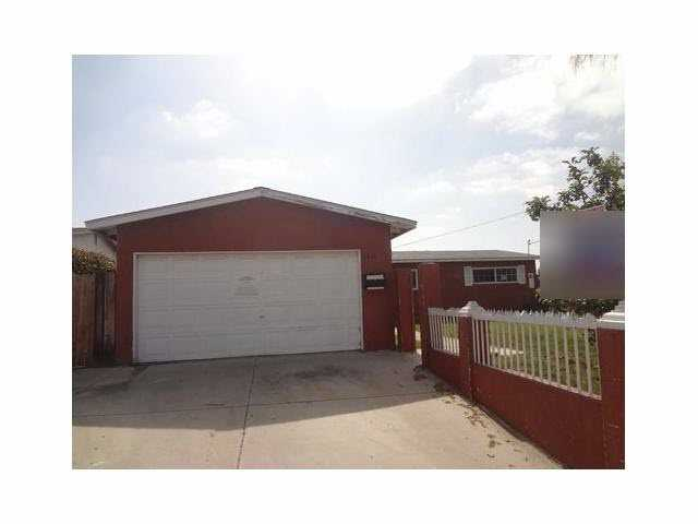 Main Photo: OCEANSIDE House for sale : 4 bedrooms : 2816 Cedar Road