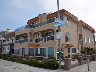 Main Photo: MISSION BEACH Condo for sale : 2 bedrooms : 3503 Ocean Front Walk in San Diego