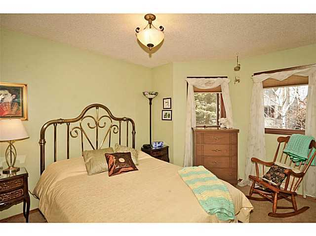 Photo 14: 291 EDENWOLD Drive NW in CALGARY: Edgemont Residential Detached Single Family for sale (Calgary)  : MLS® # C3626993