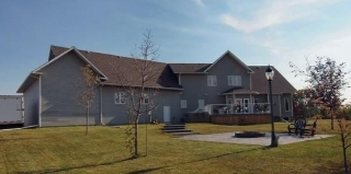 Main Photo: : House with Acreage for sale : MLS(r) # L087749