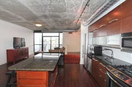 Photo 2: 64 Niagara St Unit #421 in Toronto: Niagara Condo for sale (Toronto C01)  : MLS(r) # C3073321