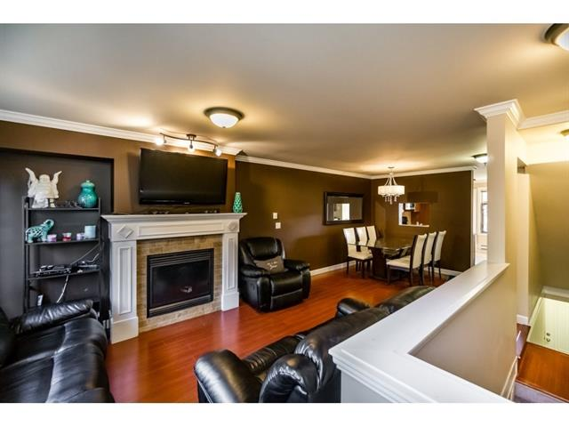 Photo 2: #14 192 Street in Cloverdale: Cloverdale BC Townhouse for sale : MLS® # R2113129