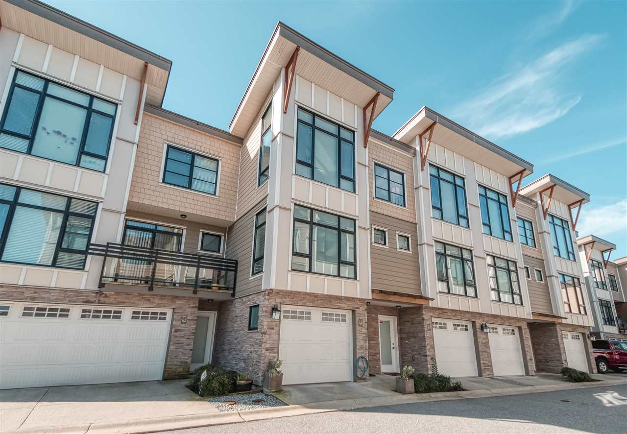 FEATURED LISTING: 44 - 9989 BARNSTON Drive East Surrey