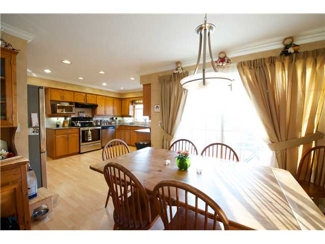 Photo 3: 1252 COUTTS Place in Port Coquitlam: Citadel PQ House 1/2 Duplex for sale : MLS® # V1004147