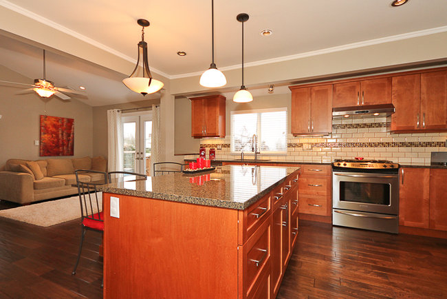 Photo 8: 644 Shaw Avenue in Coquitlam: Coquitlam West Home for sale ()