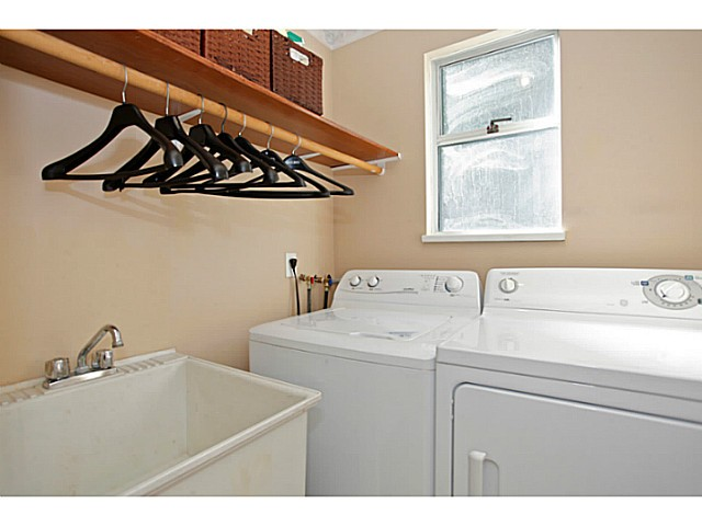 Photo 12: 14320 77A AV in Surrey: East Newton House for sale : MLS(r) # F1423021