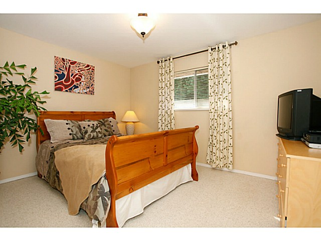 Photo 17: 14320 77A AV in Surrey: East Newton House for sale : MLS(r) # F1423021