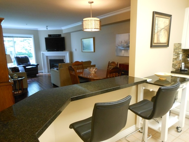 Main Photo: 206 15140 29A AVENUE in Surrey: King George Corridor Condo for sale (South Surrey White Rock)  : MLS® # R2089187