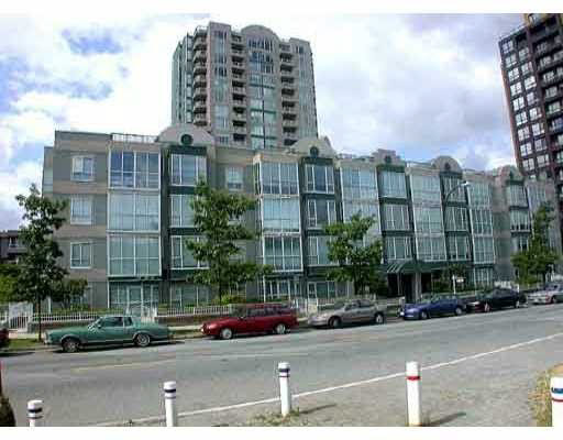 Main Photo: 302 3488 VANNESS AVENUE in Vancouver: Collingwood VE Condo for sale (Vancouver East)  : MLS®# R2164094