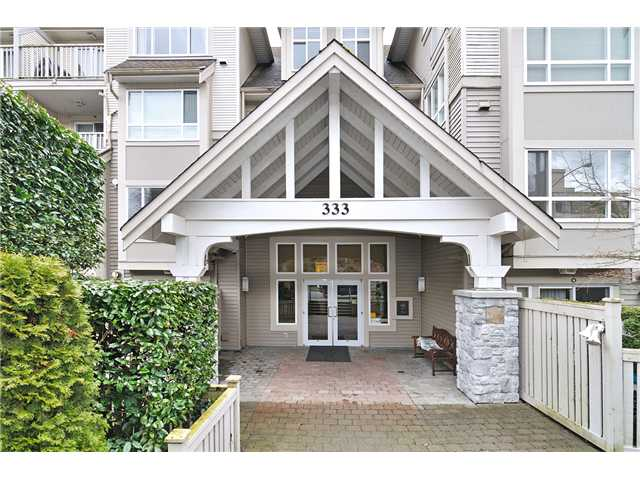 "Main Photo: 306 333 E 1ST Street in North Vancouver: Lower Lonsdale Condo for sale in ""VISTA WEST"" : MLS®# V938154"