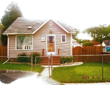 Photo 2: 1128 GARFIELD ST.: Residential for sale (Canada)  : MLS(r) # 2810765