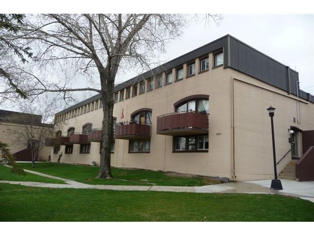 Main Photo: 3467 Portage Avenue in WINNIPEG: Westwood / Crestview Condominium for sale (West Winnipeg)  : MLS® # 1207136