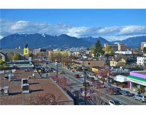 "Main Photo: 302 3131 MAIN Street in Vancouver: Mount Pleasant VE Condo for sale in ""CARTIER PLACE"" (Vancouver East)  : MLS(r) # V1001413"