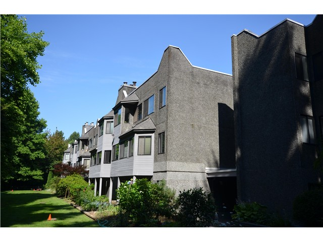 "Main Photo: 302 9880 MANCHESTER Drive in Burnaby: Cariboo Condo for sale in ""BROOKSIDE"" (Burnaby North)  : MLS®# V1015653"