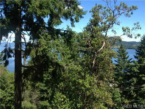 Main Photo: 7112 Willis Point Road in VICTORIA: CS Willis Point Residential for sale (Central Saanich)  : MLS®# 324276