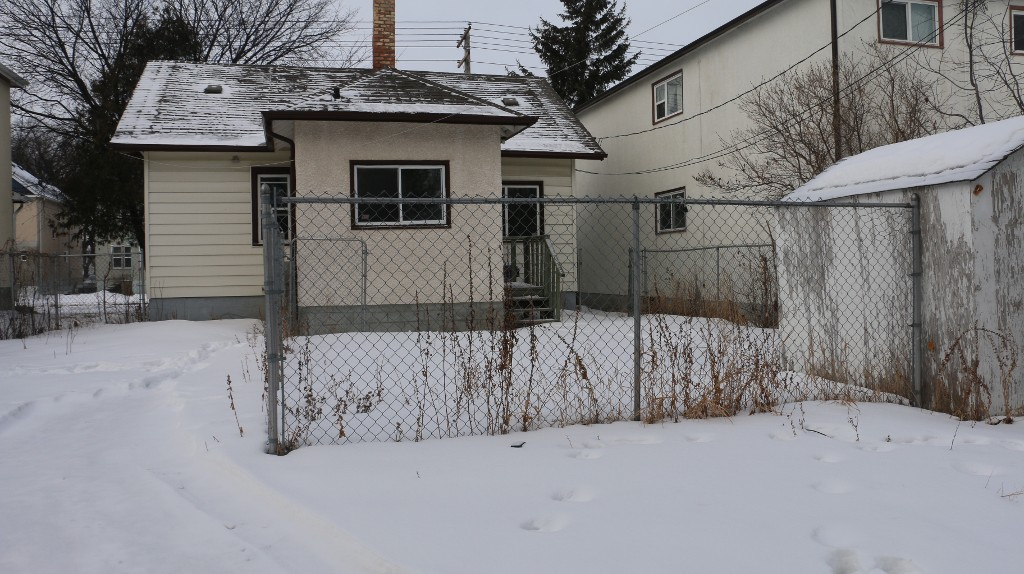 Photo 14: Photos: 405 Andrews Street in Winnipeg: Single Family Detached for sale (North End)  : MLS®# 1501858