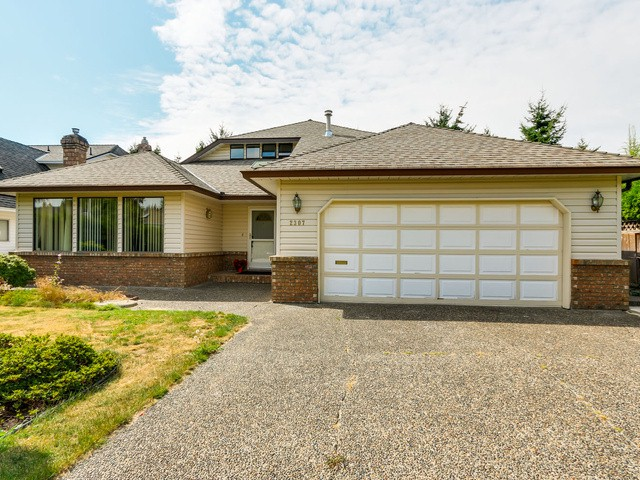 Photo 2: 2307 151A ST in Surrey: Sunnyside Park Surrey House for sale (South Surrey White Rock)  : MLS® # F1420974