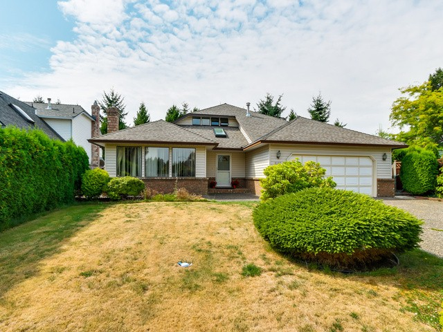 Main Photo: 2307 151A ST in Surrey: Sunnyside Park Surrey House for sale (South Surrey White Rock)  : MLS® # F1420974