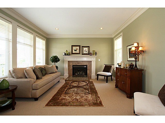 Photo 3: 15808 SOMERSET PL in Surrey: Morgan Creek House for sale (South Surrey White Rock)  : MLS(r) # F1440495