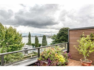 Main Photo: PH5 2410 Cornwall Avenue in Vancouver: Kitsilano Condo for sale (Vancouver West)  : MLS® # V1142417