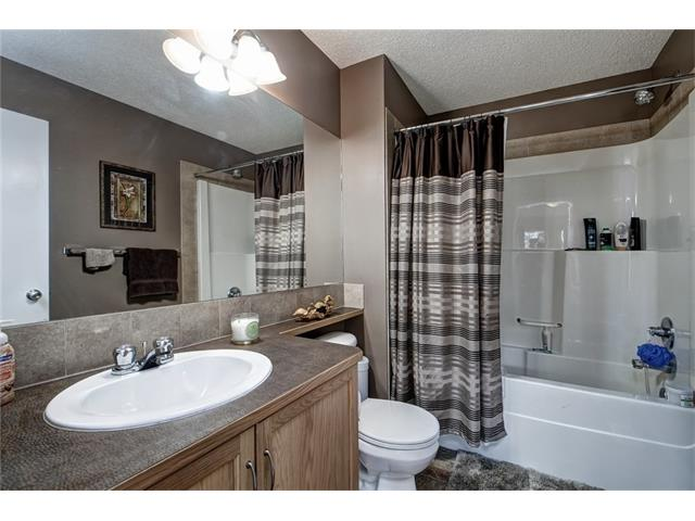 Photo 8: 2061 NEW BRIGHTON GD SE in Calgary: New Brighton House for sale : MLS(r) # C4062346