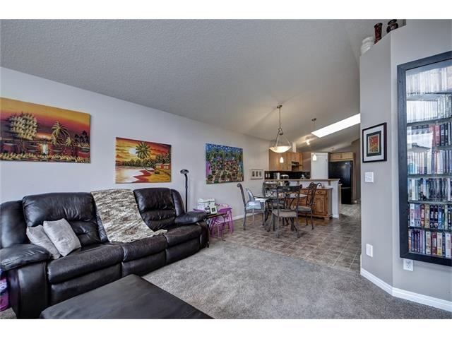 Photo 16: 2061 NEW BRIGHTON GD SE in Calgary: New Brighton House for sale : MLS(r) # C4062346