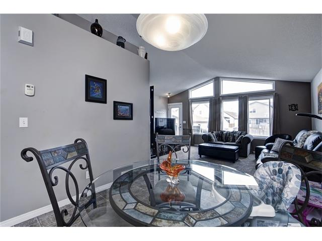 Photo 13: 2061 NEW BRIGHTON GD SE in Calgary: New Brighton House for sale : MLS(r) # C4062346